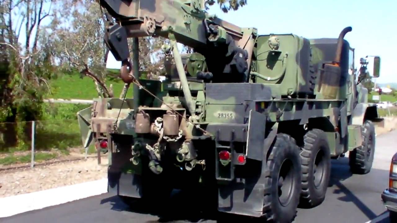M936 Military tow truck. - YouTube