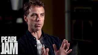What Defines A Band? - Pearl Jam And... @ www.OfficialVideos.Net