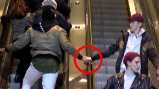TOUCHING STRANGERS HANDS ON ESCALATOR PRANK! (NEW YORK CITY)