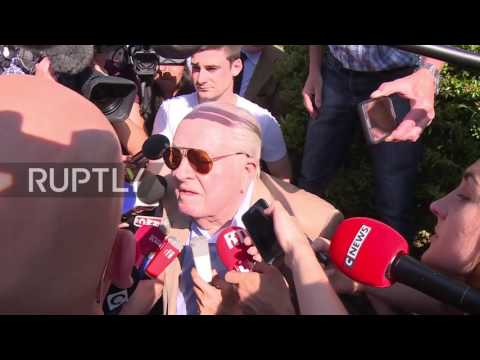 France: Le Pen senior locked out of FN meeting after calling for daughter's resignation