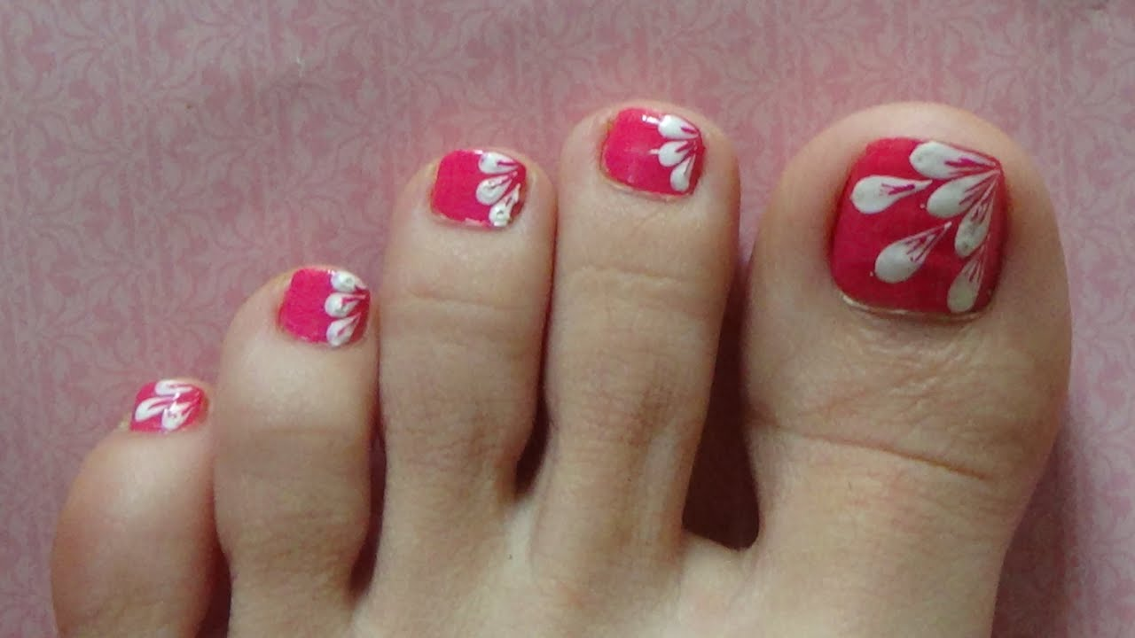 White Flower Petals Easy Design For Toe Nails With A Hair