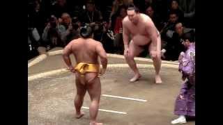 大相撲一月場所初日。