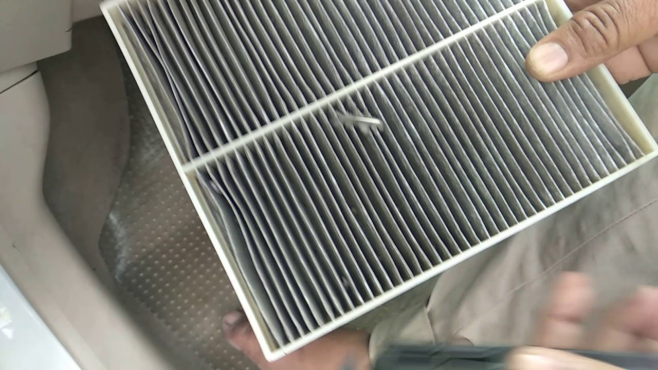 how to clean ac filter cabin filter in maruti suzuki a star youtube. Black Bedroom Furniture Sets. Home Design Ideas