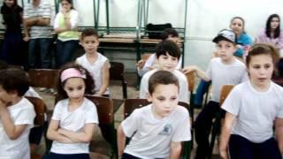 Teatro Em Homenagem As Crianças Do Colegio Ermãm Edivirgi De Mina União 12 08.11..MPG