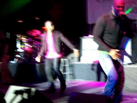 Kanye West Common Talib Kweli Mos Def - Get' em High and Poker Face Live