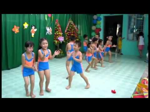 Trời nắng trời mưa - Các bé múa AEROBIC vui nhộn
