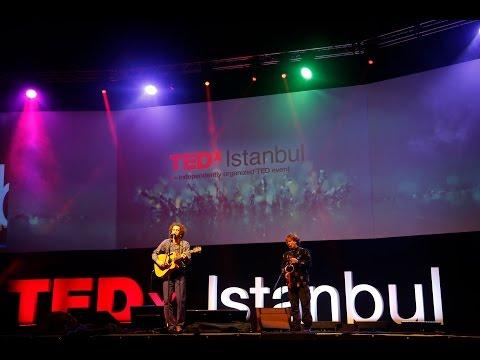 Evrencan Gündüz - Uzun İnce Bir Yoldayım & Ain't No Sunshine - TEDxIstanbul mp3
