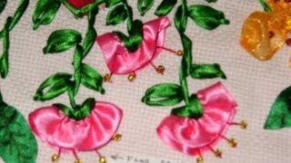 Cómo hacer la flor de campanilla en capullo, bordando en listón