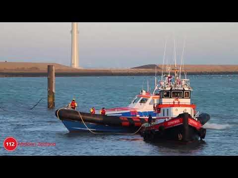 Passagiersboot in problemen; 75 personen op de wal gezet door KNRM