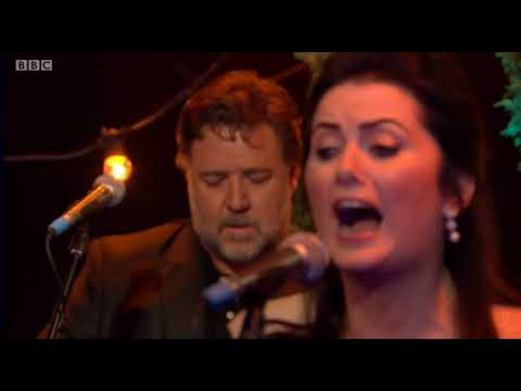 Russell Crowe, Alan Doyle, Scott Grimes and co  perform on the One  27th September 2017