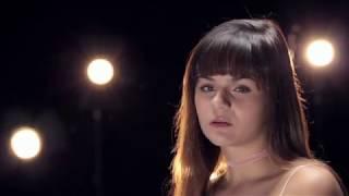 Martina Attili - Un incubo ogni giorno