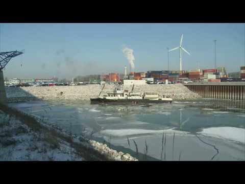 Hafen Wien: 80 Tonnen Stahl Im Kampf Gegen Eis