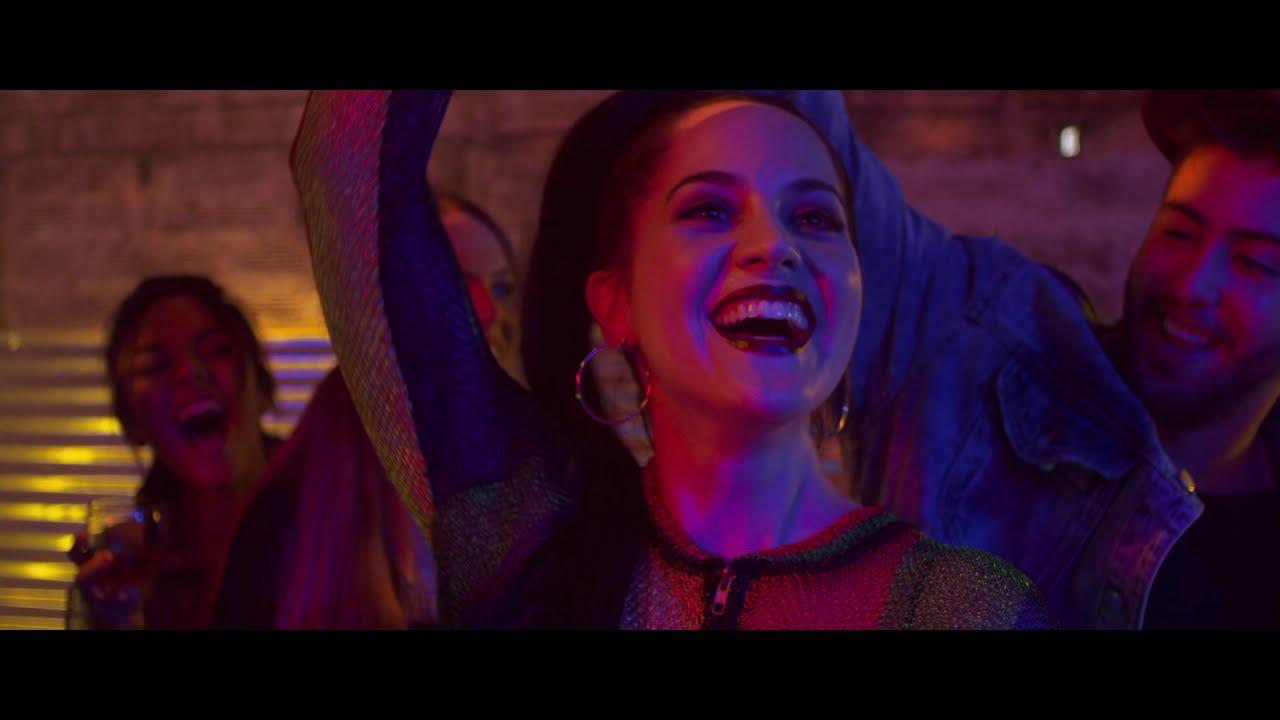 Loquita Por Ti - Sophy Mell (Video Oficial)