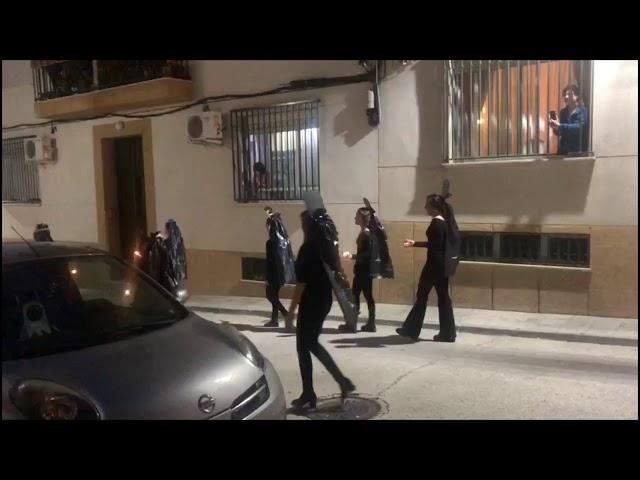 Vecinos de Porcuna celebran la Semana Santa en pleno confinamiento