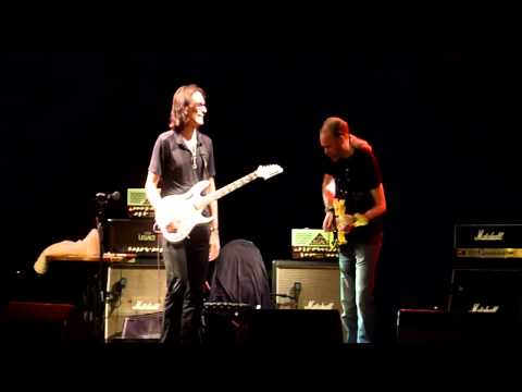 Eamon O'Neill jamming With Steve Vai at the Nerve Centre in Derry