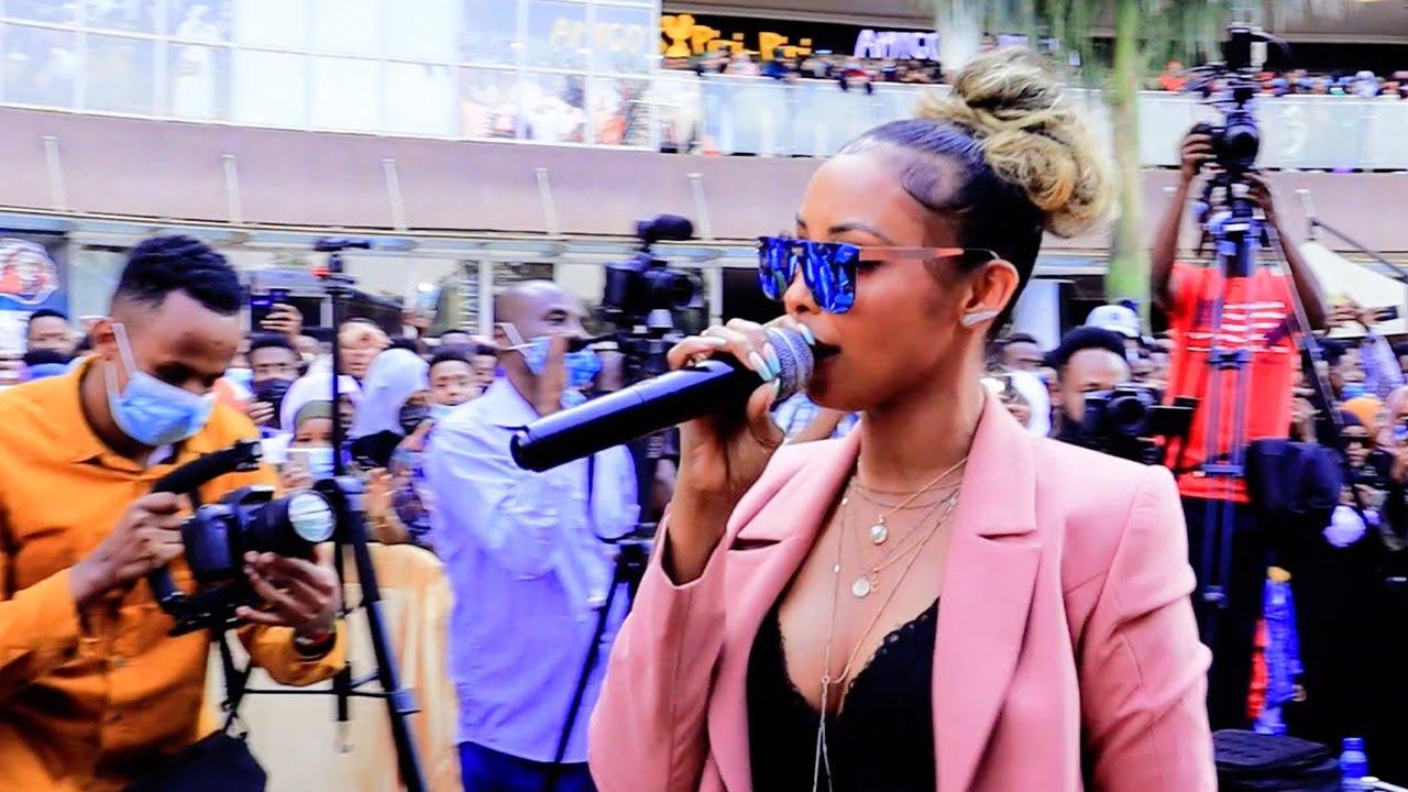 Download KIIN JAMAC OO WALIDA KU KICISAY ISKAABULDA SOMALI CULTURE FESTIVAL NAIROBI