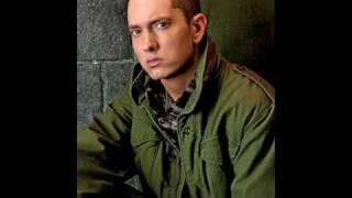 Eminem  - Love The Way You Lie Feat. Rihanna (Lyrics)