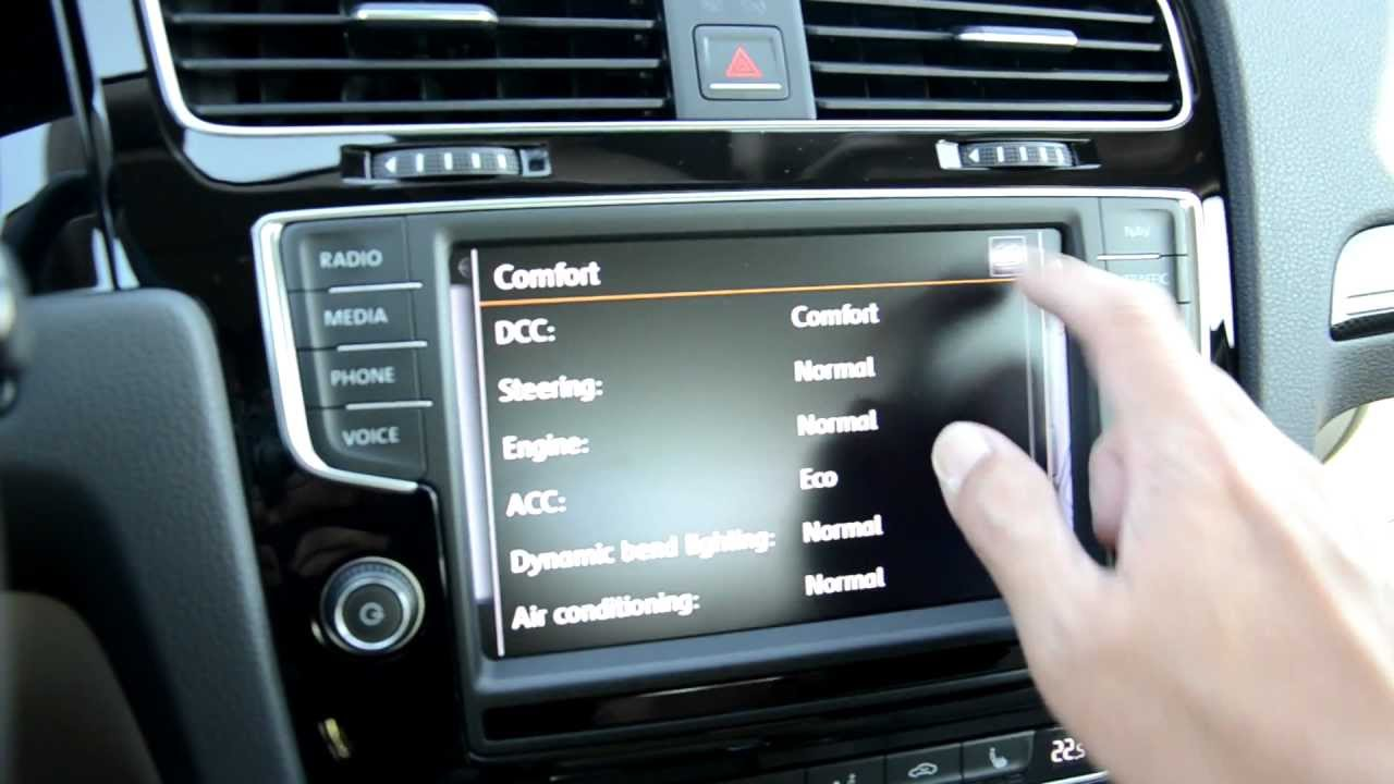 VIDEO: Volkswagen Golf MK7's touchscreen infotainment system