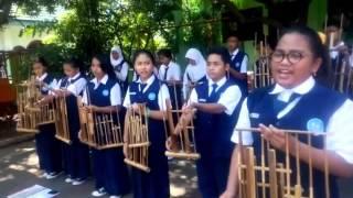 02 Latihan Musik Angklung SMP Hang Tuah 3   Lagu Indonesia Pusaka