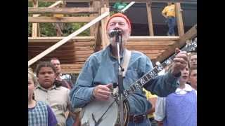 "clearwater barnraising 06 -- Pete Seeger ""If I Had A Hammer"" with Bruderhof children"