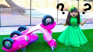 Download Emma Pretend Play w/ Broken Down Minnie Mouse Ride On Scooter Kids Toy Mp3 and Videos