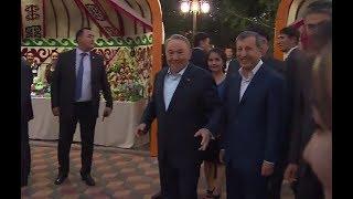 Назарбаев станцевал под мелодию уличных музыкантов в Астане(, 2017-07-05T07:30:07.000Z)