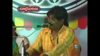 Repeat youtube video Nayi Gori Mil Jaye Purani Chod Denge Ham (Bundeli LokGeet)