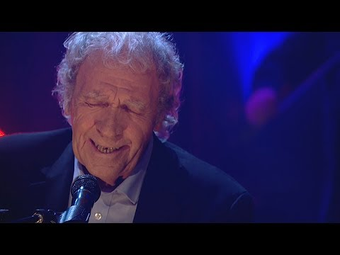 'I Remember You Singing This Song, Ma' - Finbar Furey | The Late Late Show | RTÉ One