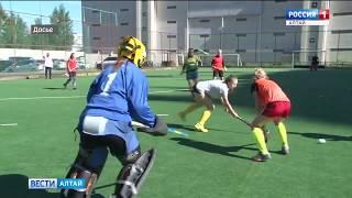 Юношеская сборная по хоккею на траве одержала две победы в Польше