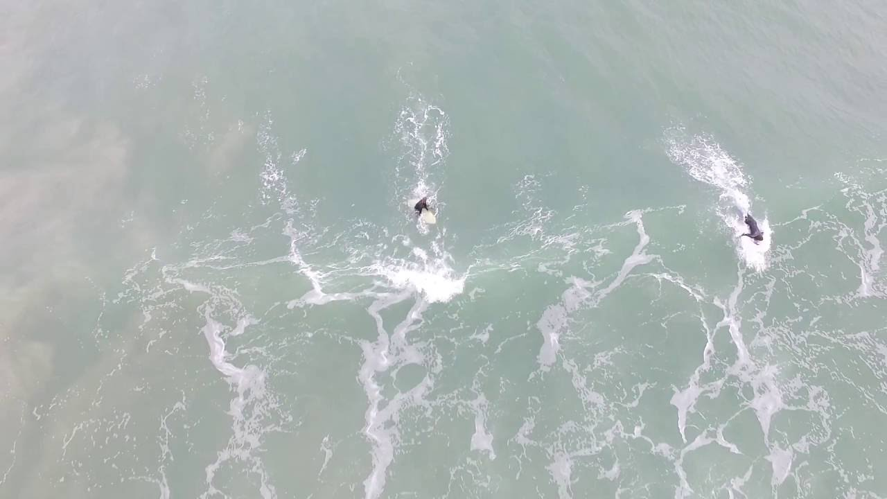 Surfing Long Beach Robe