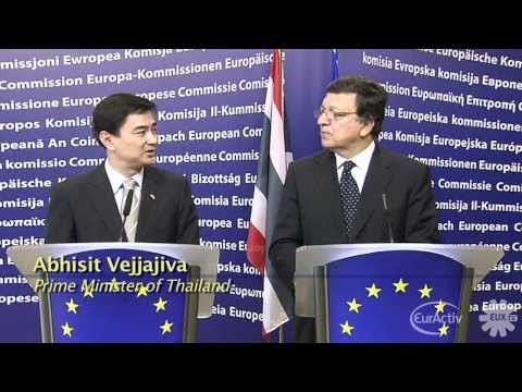EU's Barroso tells Thai PM to respect human rights