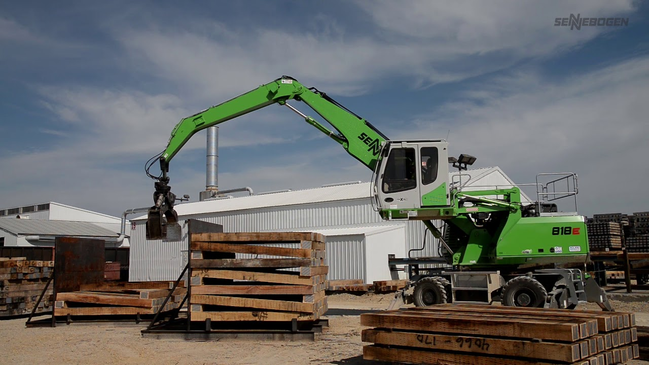 SENNEBOGEN 818 E - Timber Handler at Stella Jones, Bangor USA