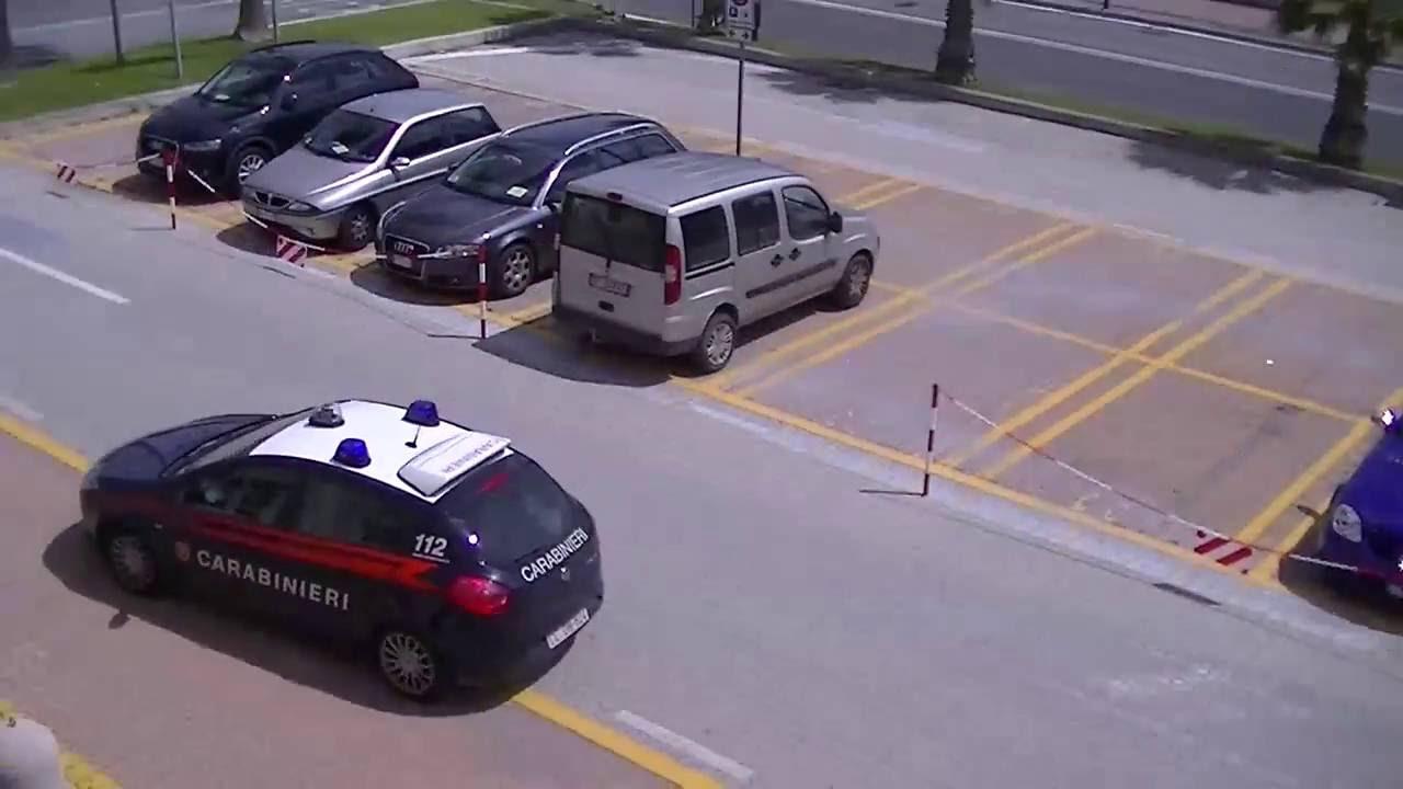 Albenga, marocchino aggredisce e rapina un giovane alassino: video #1