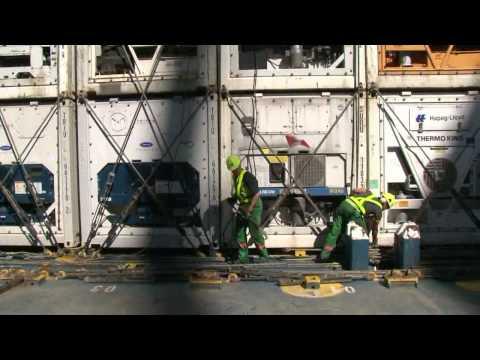 De - Lashing Containers - Maritime New Zealand