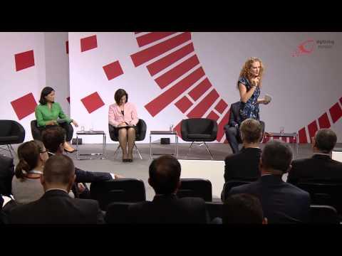 """Sinead Mac Manus (fluency.io) at the """"digitising europe"""" summit in Berlin"""