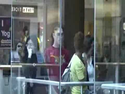 битбоксер в торговом центре