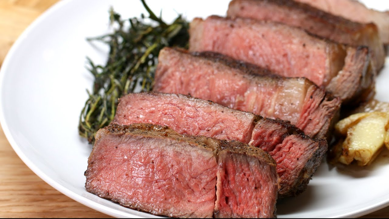 Steak With Garlic Butter - YouTube
