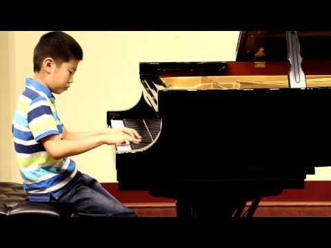 Lang plays Liszt Gnomenreigen