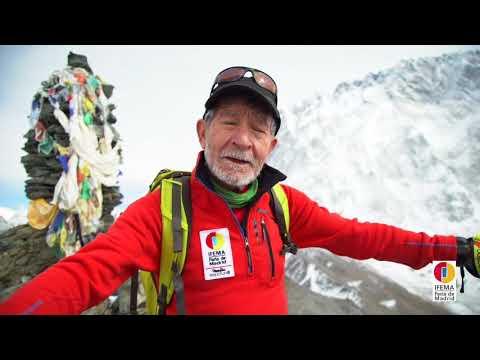 Carlos Soria aclimatando para el Dhaulagiri en el valle de Chukung