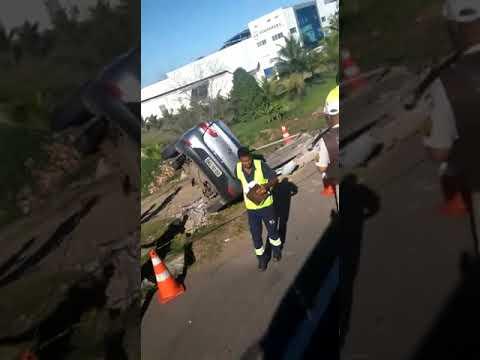 Simões Filho: acidente na rótula de Mapele deixa um morto e