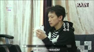 Rain Bi 비 - RAIN & his dog (장군이) 小將軍太乖了, 要剪底呢part 佢 :P.