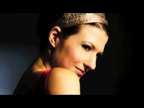 Bach - Partita III In E Major, Gavotte En Rondeau - Alda Dizdari