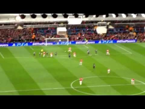 Manchester United vs Olympiakos - Robin van Persie goal