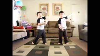 Hilarious! 2 Asian Babies Dancing to OutKasts Hey Ya!