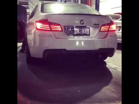 BMW M5 F10 V8 Exhaust Fire