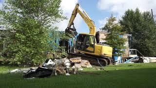 Demolishing a derelict house in Brad Pitt's Make It Right development