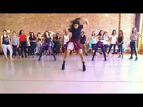 Most Beautiful Dance || Akhiyan Milaoon Kabhi Akhiyan Churaoon || HD Video