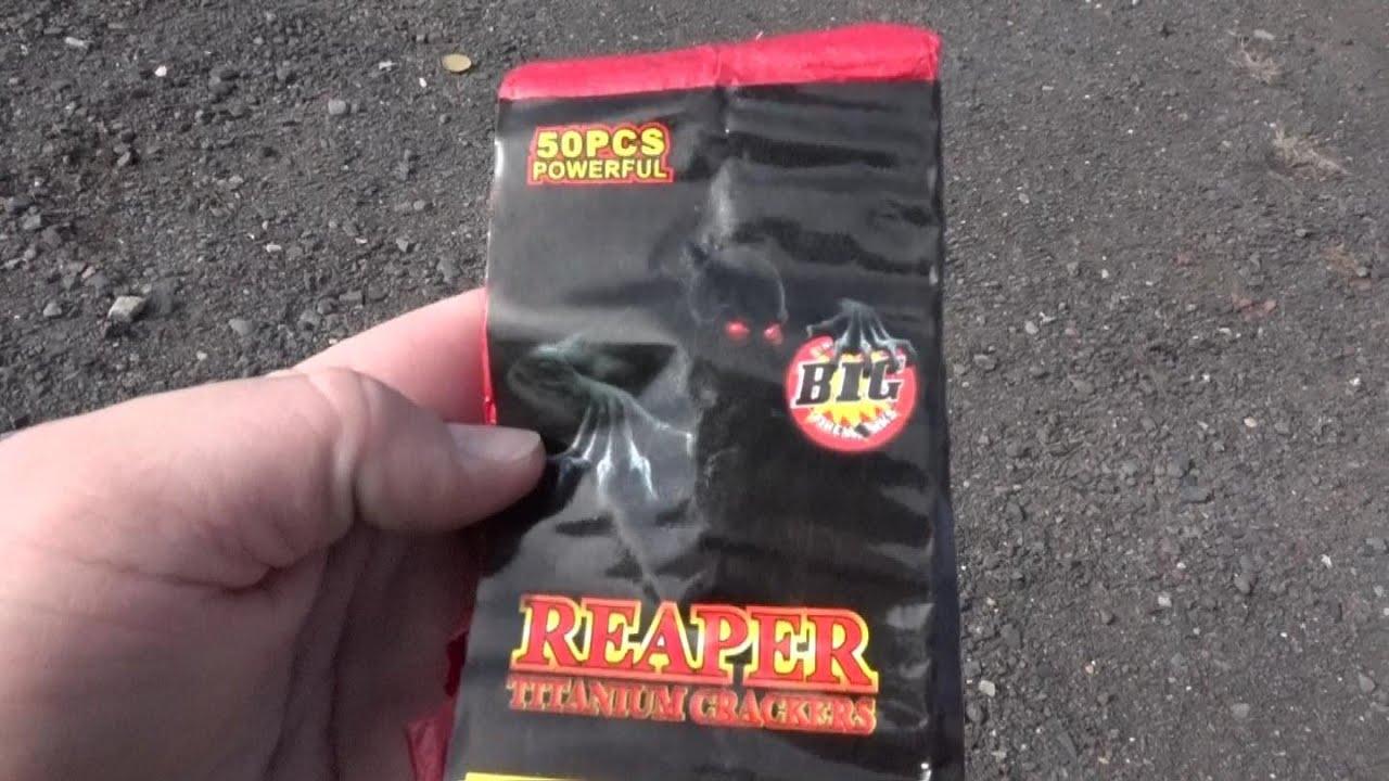 REAPER TITANIUM FIRECRACKERS - BIG FIREWORKS - YouTube