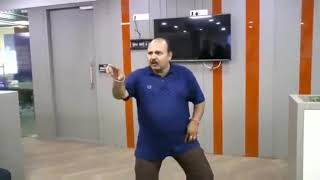 Dabbu Uncle Dance at salman khan home 😍 viral video