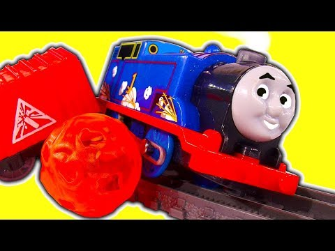 Thomas The Tank Trackmaster Volcano Drop & Lava Falls Train Crashes & Race